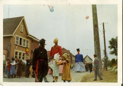 Zante et Rinette à la Cavalcade d'Irchonwelz en 1971