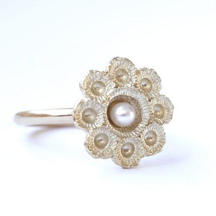 zeeuwse ring goud met parel, zeeuwse sieraden