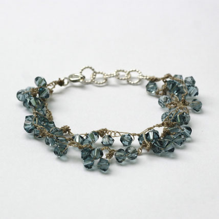 gehaakte swarovski armband jeansblauw