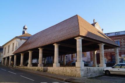 Condé-en-Brie : la halle du XVème siècle.