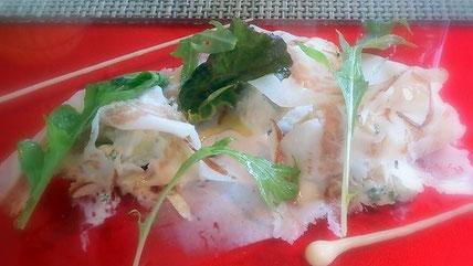 セントレジスホテル大阪ラベデュータのランチ。  前菜は生ハムを使った一品。
