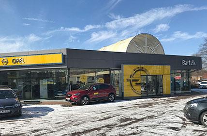 Heger-Elektro installiert die Beleuchtung von Verkaufsräumen und Außenwerbung.