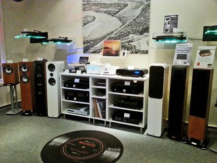 Pro-Ject Plattenspieler Test kaufen, Verstärker, Lautsprecher Kaufberatung, Test, kaufen in Berlin, HiFi-Studio mit Reparaturservice