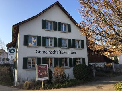 Ein herrlich schöner Wintertag beim Gemeinschaftszentrum Volketswil
