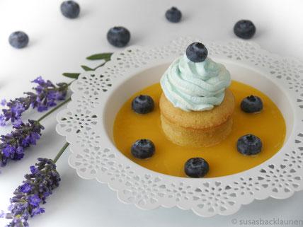 Mango Smoothie mit Cupcake