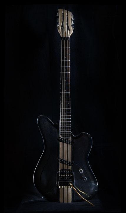Resina Nero Gitarre Acrylglas guitar ml-factory Tremolo Jeff Beck Pickup David bergmann hasimir moehrmann plexiglas spezial handwerk instrumente vintage custom steampunk