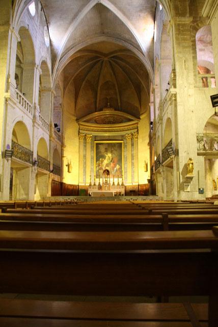 Bild: Im Innern der Cathédrale Saint Théodorit in Uzès