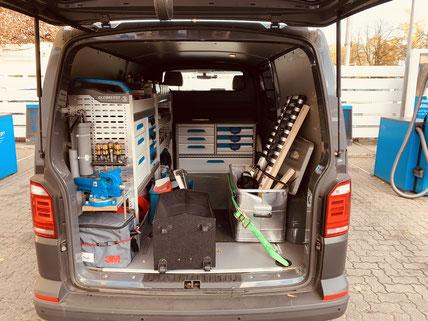 Handwerker Schlüsseldienst Monteur Fahrzeug