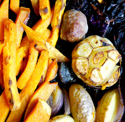 Gemüse und Hackbällchen vom Blech