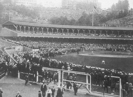 Un'immagine dell'epoca del Polo Grounds di New York