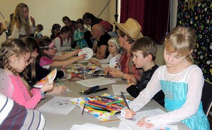 Malen und Basteln konnte man auch, dieses Angebot wurde gern von den Kindern angenommen.