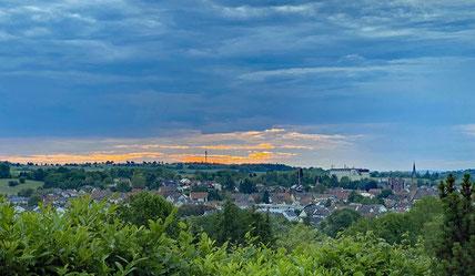 Sonnenuntergang mit Blick über Heidelsheim