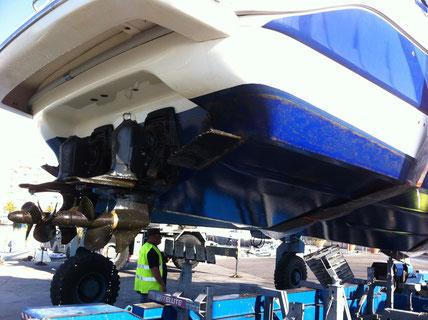 TPS  Concessionnaire Volvo Penta Hyères assure le carénage et l'antifoulinng de votre bateau