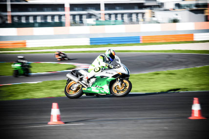 https://www.dekra-lausitzring.de/fahrsicherheitstraining/motorrad/