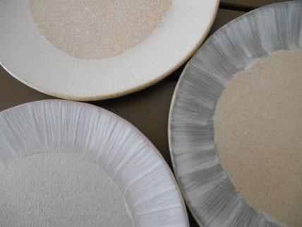 化粧泥の二重塗りの平皿(中・取皿)