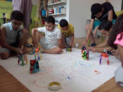 robots, electroniques, dessin, enfants, atelier, feutres
