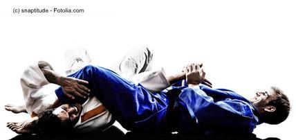 Judo und Jiu Jitsu arbeiten fast ausschließlich in der Greif- und Bodendistanz.