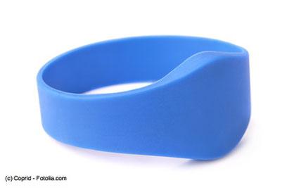 RFID Armbänder lassen medizinisches Personal wissen, wo sich ihre Patienten aufhalten.