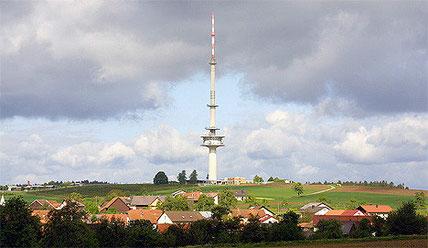 Mit den beiden Standorten auf Waldbrunner Gemarkung wird der Sendemast in Reisenbach den digitalen Behördenfunk auf dem Winterhauch gewährleisten. (Foto: Arzio/Wikipedia)