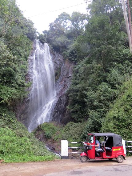 So mancher Wasserfall zwingt zum Stop