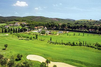 Golfreise Italien Golfpaket Golf Ferien Reisen Golfhotel Toskana Olivenöl Weingut Maremma Golfhotel auf dem Golfplatz Italien