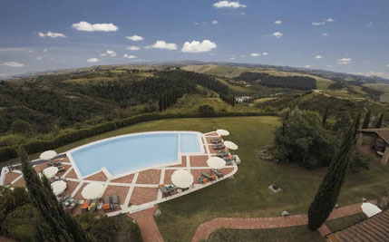 Golfreise Italien Golfpaket Golf Ferien Reisen Golfhotel  Castelfalfi Golf Club Startzeiten Oliven Weinberge Toskana