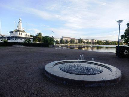 朝、人より早く起きて噴水を眺めるゆとりがありました=時差ボケ?