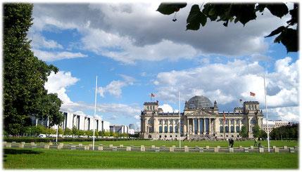 Die Rechtsgebiete und Tätigkeitsbereiche von Rechtsanwalt Thomas Hollweck Berlin – Kanzlei für Verbraucherrecht und Verbraucherschutz – Verbraucheranwalt in Berlin
