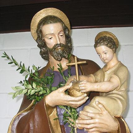 Pluwig-Geizenburg: St. Josef-Kapellchen. Josef mit dem Jesuskind.
