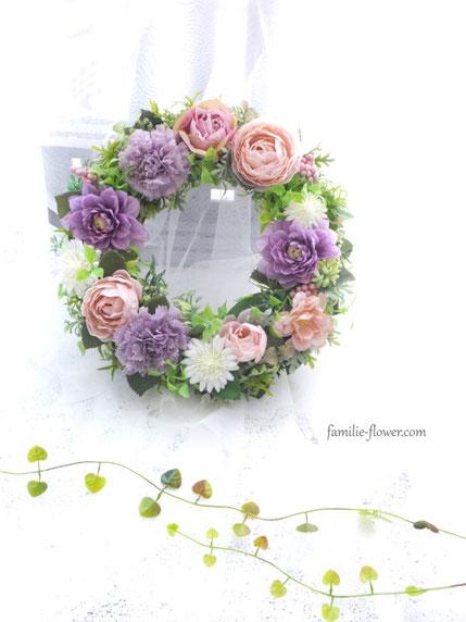 紫のダリアとカーネーションの造花リース