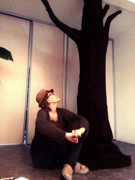 tree; felt; eelste; massage saloon; waiting room; unique; amsterdam; infinity massage