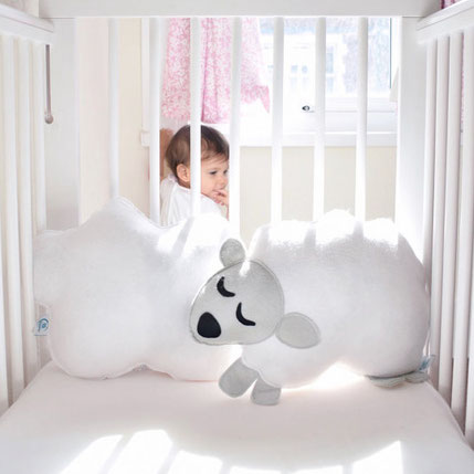 Light as a Cloud cushion (click on the picture to learn more)