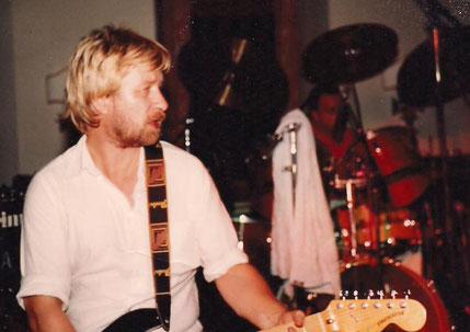 Jürgen Rau auf der Bühne mit Rock Tales