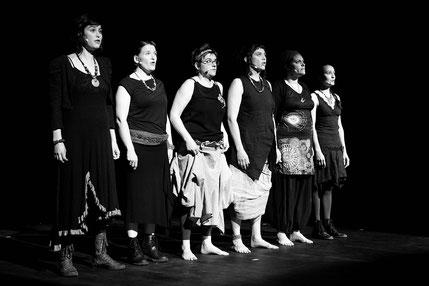 Le groupe vocal Les Goules Poly pour le spectacle Criatura de la Compagnie Parolata Sung
