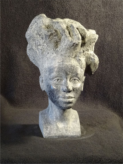 Porträtstudie einer Afrikanerin aus schwarzem Stein#Porträt aus Stein#Steinporträt einer Frau als Dekoration für zu Hause