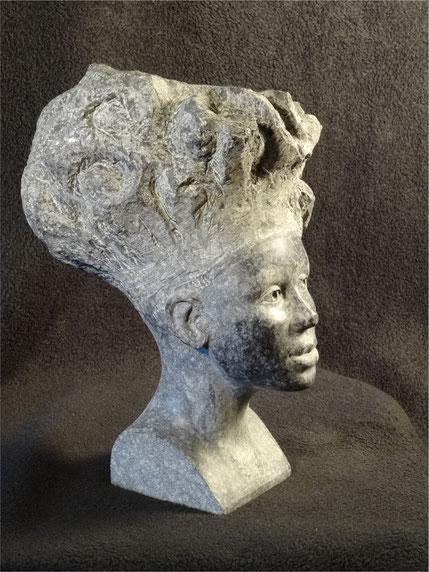Porträtstudie einer Afrikanerin mit hoher Frisur#Porträt aus Stein#eine Frauenbüste als Dekoration