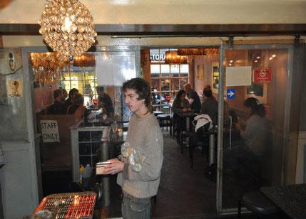 intérieur de coffeeshop otherside amsterdam