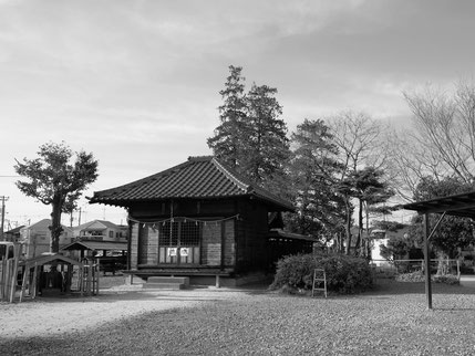 Photo of a Japanese temple taken by a regular photo