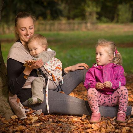 Huckepack Wrap Tai Babytrage ab Geburt, komplett aus Tragetuchstoff, auffächerbare Träger zum Binden, Hüftgurt mit Schnalle.