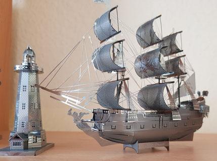 Die Black Pearl und ihr Leuchtturm