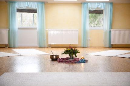 Businessyoga, Yoga Neuss, Yoga Düsseldorf, PME, Gesundheitsprävention, Gesundheit, Entspannung