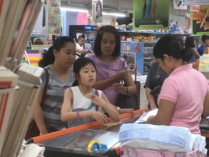 Kちゃんはたった2週間で英語でお買い物もできるように!
