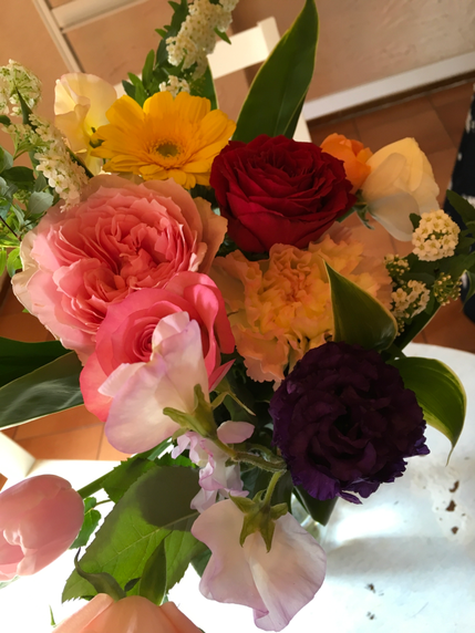 花からメッセージをもらう「花チャネ」をはじめ、何種類もの私のお気に入りのチャネリングのスタイルをご紹介♥みなさんにもチャレンジしてもらいました!楽しかったですよー