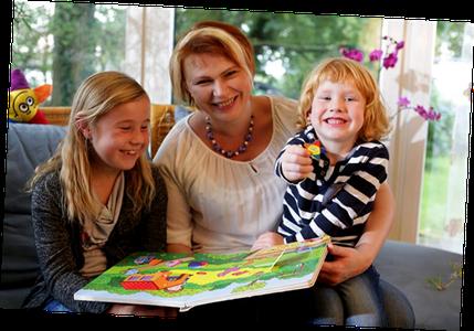Verstecken Spielen mit Kai und Sterni - Gründerin Olga Müller