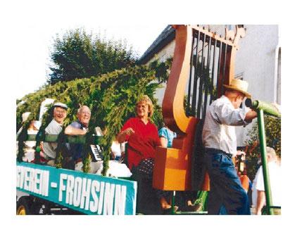 Motivwagen des Gesangvereins Frohsinn aus Wernborn in Usingen 1996