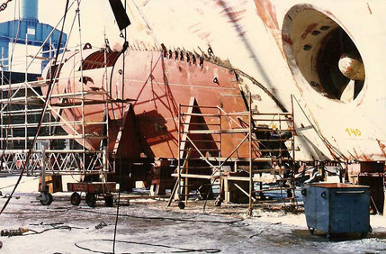 Tregastel being equipped with a bulbous bow in 1987 in Meyer Werft shipyard.