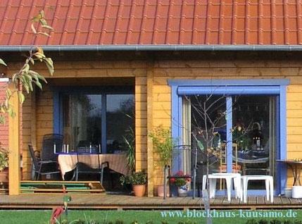 Fensterbau - Fenstertechnik - Blockhaus mit Rollläden