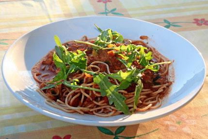 Spaghetti Haiti mit frischem Gemüse