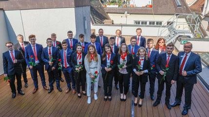Für 18 junge Menschen begann am 1. September die Berufsausbildung bei der Kreissparkasse Augsburg.  (Foto: Thomas Baumgartner/Kreissparkasse Augsburg)