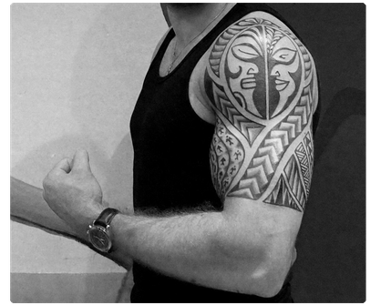 Oberarm Tatau Maori  tattoo polynesische Südsee Tattoos Studio Tätowierer Köln NRW Deutschland Bonn Düsseldorf Tiki polynesian Männer men arm maskulin meaning Bedeutung